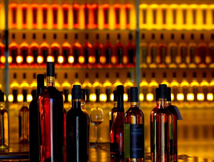 Gouden tip: Dit wijnspel maakt van jou wijnkenner in één borrel avond!